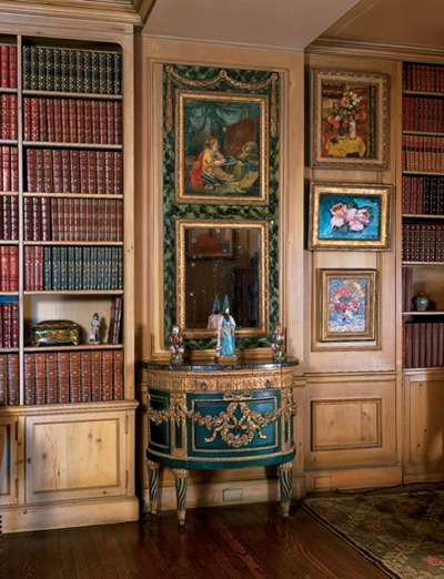 Greta Garbo's library.  Look at all those leather-bound books.  I wonder if it smells of rich mahogany...image via Flavorwire