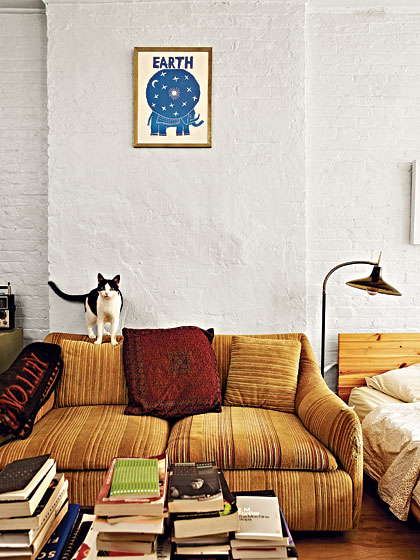 Relieved to see Greta Gerwig's coffee table resembles my nightstandsimage via New York Mag