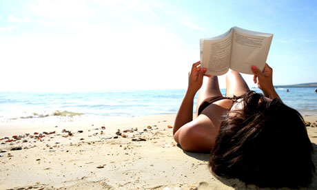 Reading-on-the-beach-007